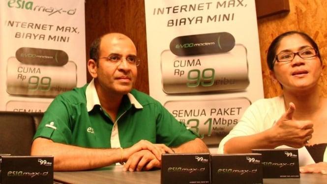 Satyadev Sarvaiya, EVP Device & Product BWA PT Bakrie Telecom Tbk