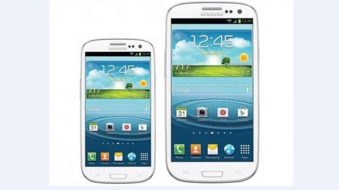 Galaxy S III Mini (kiri)
