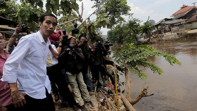 Jokowi Kunjungi Bukit Duri