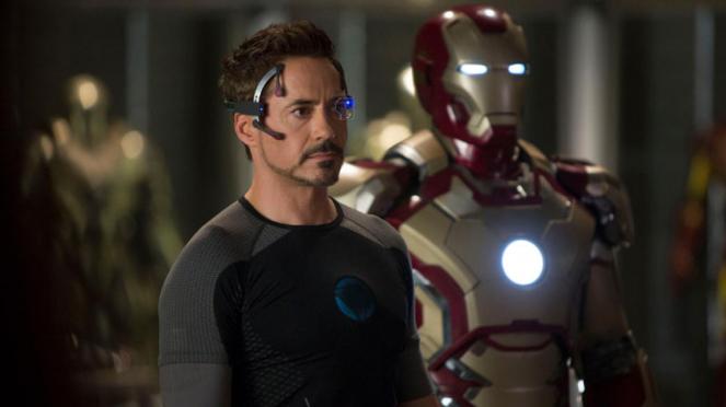 Robert Downey Jr, pemeran Tony Stark dan Iron Man.