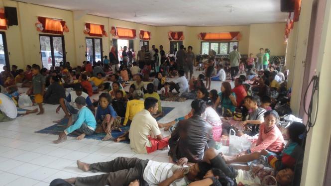 Ilustrasi/Para pengungsi usai pecahnya bentrok warga di Lampung