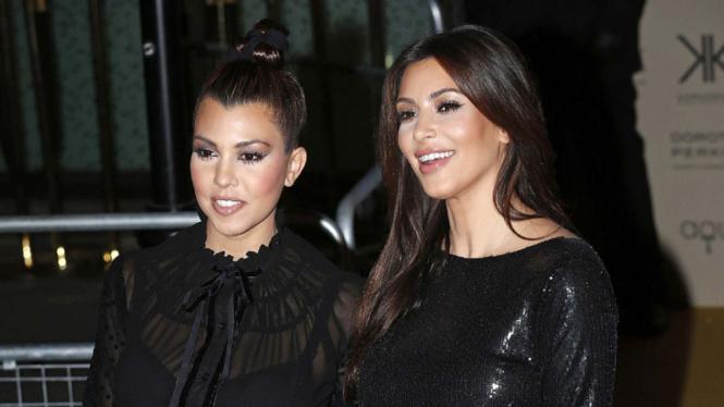 Kourtney dan Kim Kardashian