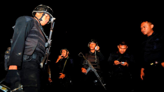 Densus 88 menyergap terduga teroris makassar