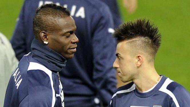Mario Balotelli dan Stephan El Shaarawy di pusat pelatihan Timnas Italia