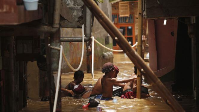 Banjir Kiriman Rendam Kampung Pulo