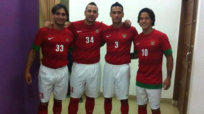 (ki-ka): Tonnie Cusell, Van Beukering, Raphael Maitimo, Irfan Bachdim