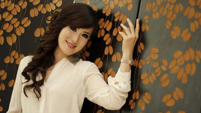 dr. Olivia Ong, Pakar Estetika dan Penuaan Kulit
