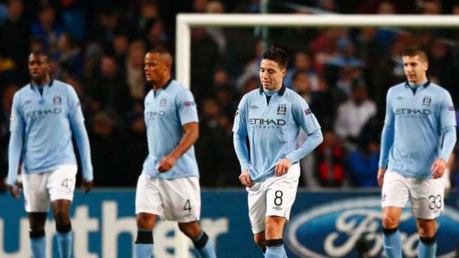 Gelandang Manchester City, Samir Nasri (nomor 8)