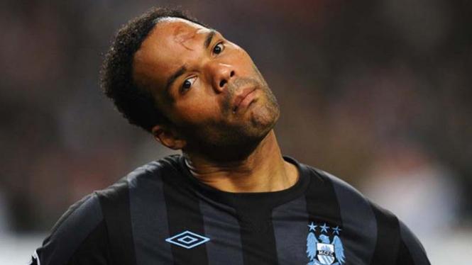 Bek Manchester City, Joleon Lescott