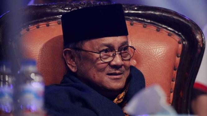 BJ Habibie Usai Menghadiri perayaan HUT ke-70 Kelompok Usaha Bakrie