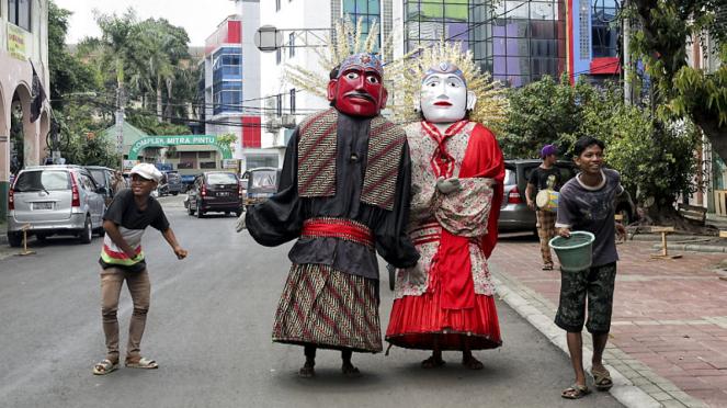 Aksi Ondel-ondel Betawi