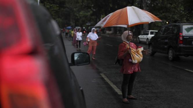 Joki 3 in 1 di ruas jalan Jakarta