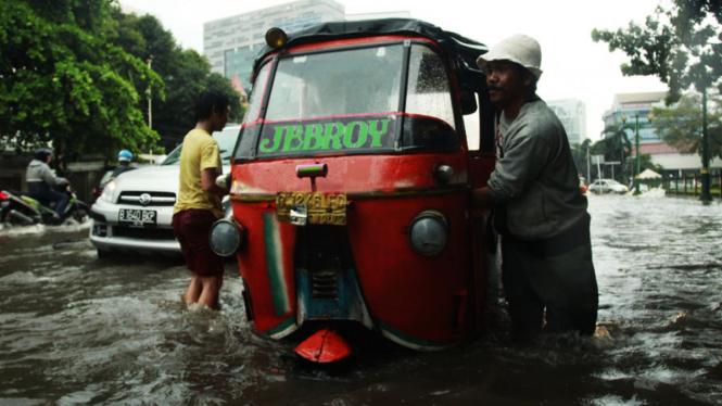Hujan Deras Jakarta Banjir