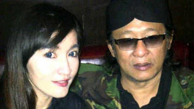 Deddy Dores dan penyanyi Indah Sari