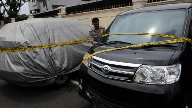 Kondisi Mobil BMW dan Luxio yang bertabrakan