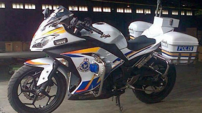 Motor dinas polisi Malaysia