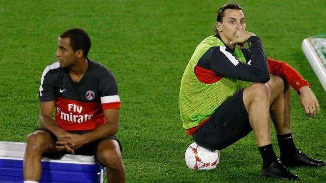 Pemain PSG, Zlatan Ibrahimovic (kanan) dan Lucas Moura
