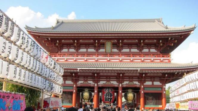 Kuil Sensoji di Asakusa Tokyo