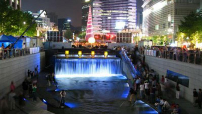 Sungai Cheonggyecheon