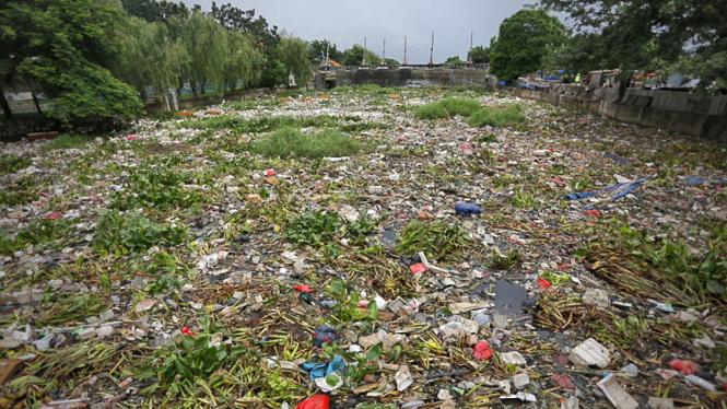 Sampah di Kali Jakarta Utara