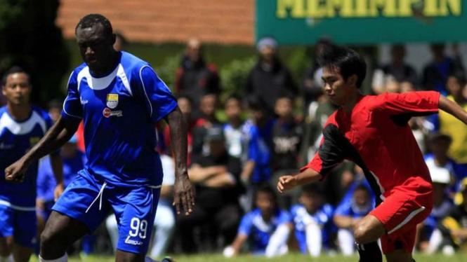 Persib Bandung uji coba melawan PS UNI Bandung