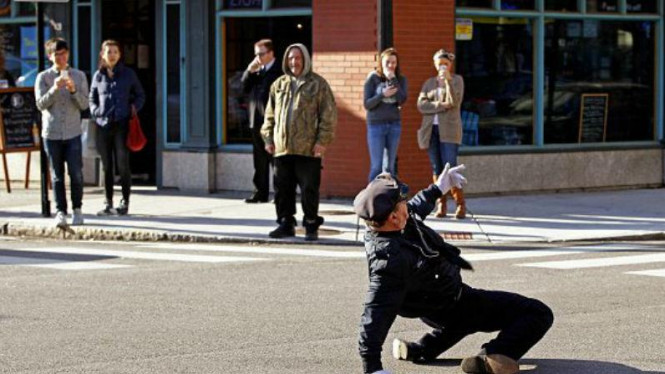 Polisi lalu lintas Tony Lepore