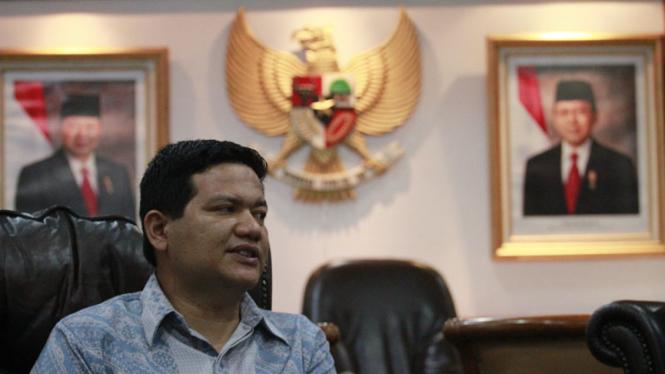 Ketua KPU Pusat Husni Kamil Malik
