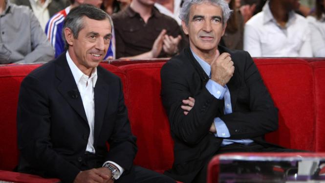 Alain Giresse (kiri) & mantan pelatih Prancis, Raymond Domenech