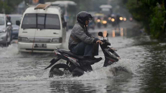 Banjir di Kawasan Daan Mogot