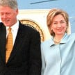 Presiden AS Bill Clinton bersama istrinya, Hillary.