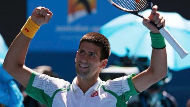Novak Djokovic mengalahkan Paul-Henri Mathieu di babak I Australian Open 2013