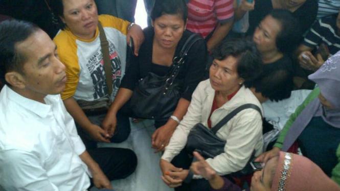 Jokowi menemui karyawan PT Sainath II Industri