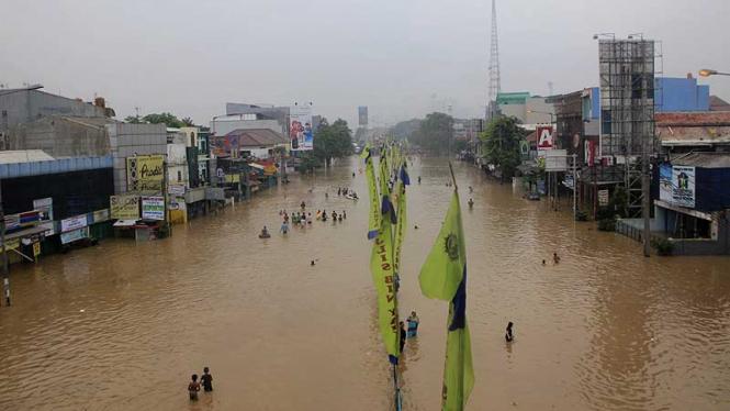 Banjir Kampung Melayu, Casablanca-Pondok Bambu Lumpuh