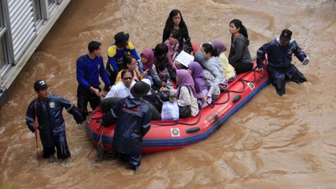Bundaran HI Terendam Banjir
