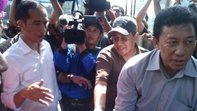 Gubernur Jokowi Tinjau Proses Evakuasi di UOB