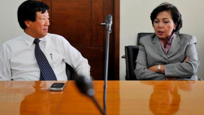 Justian Suhandinata (kiri)