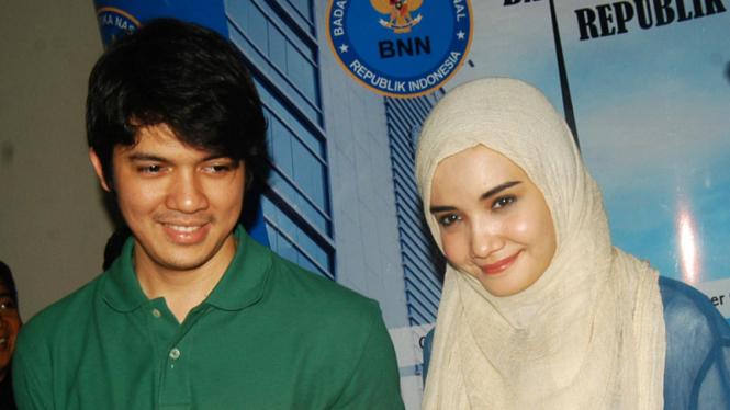 Irwansyah dan Zaskia Sungkar menerima surat pembebasan