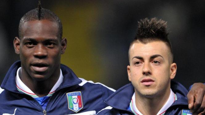 Stephan El Shaarawy dan Mario Balotelli (kiri)