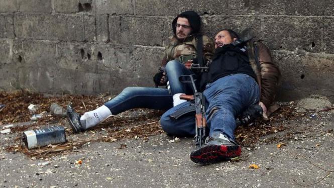 Pejuang pemberontak Suriah tertembak sniper pemerintah di Ain Tarma, Damaskus