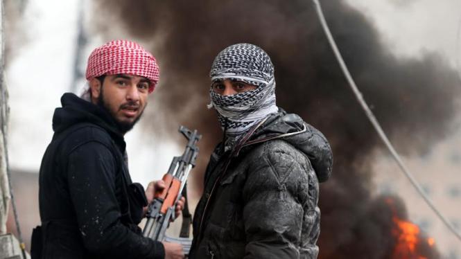 Pertempuran antara Pemberontak Suriah dengan militer di Ain Tarma, Damaskus