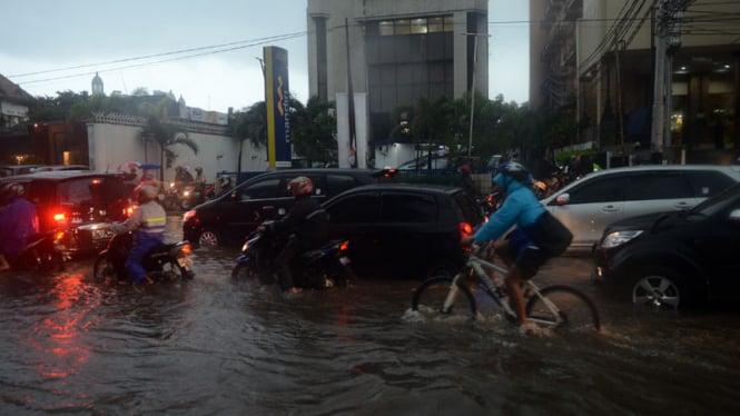 Banjir di Kawasan Cikini
