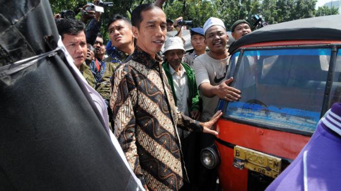 Jokowi Temui Pendemo Bajaj