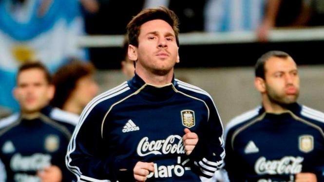Pemain Argentina, Lionel Messi (tengah)