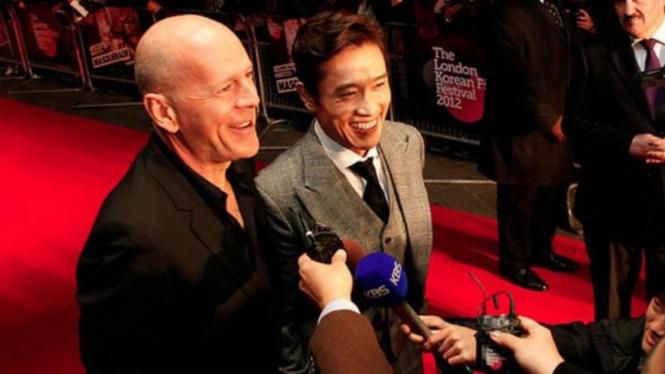 Bruce Willis dan Le Byung Hun
