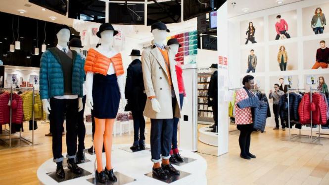 Uniqlo, salah satu produsen pakaian terbesar asal Jepang.