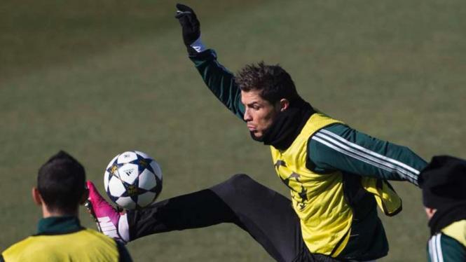 Cristiano Ronaldo saat latihan jelang Real Madrid vs Manchester United