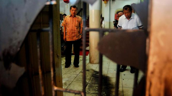 JK meninjau gereja yang dilempari bom molotov di Makassar