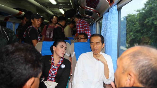 Jokowi Jurkam Rieke-Teten