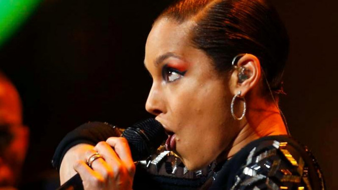 Alicia Keys tampil di NBA All Star Game 2013