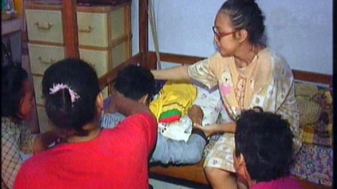 Keluarga menangisi kematian bayi Dera